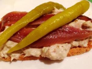 bbonito anchoa piparra